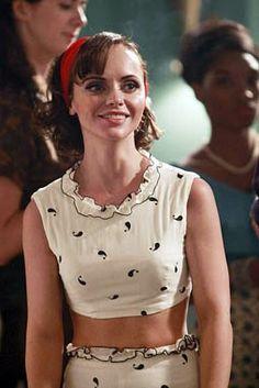 "Maggie (Christina Ricci) in Pan Am ""Truth or Dare"" Seinfeld, Fashion Tv, Retro Fashion, Vintage Fashion, Santa Monica, Aquarius, Christina Richie, Sport Tv, Tiny Woman"