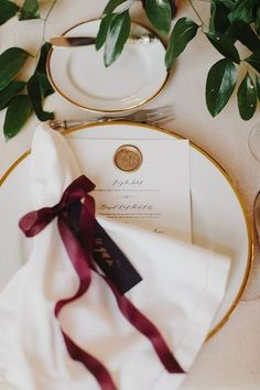 44 Elegant Burgundy And Gold Wedding Ideas | HappyWedd.com #PinoftheDay #elegant…