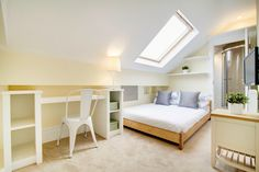 Bright sky light room with an en-suite in a 10 Bedroom house. Edgy Bedroom, Small Room Bedroom, Room Decor Bedroom, White Bedroom, Bedroom Ideas, 10 Bedroom House, Barn Bedrooms, Light Green Bedrooms, Student House