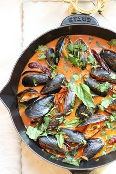 Coconut and Red Curry Thai Mussels