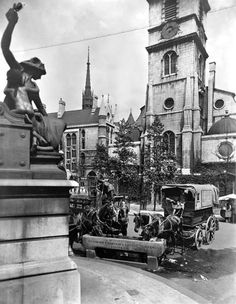 Water trough, near St Clement Danes, Aldwych, c 1925