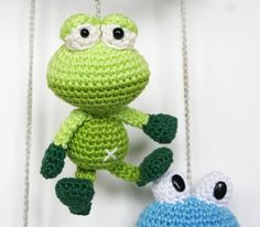 This is a great collaboration of Woolytoons crochet, Christel Krukkert and me: Dendennis. We are all Dutch amigurumi designers with several published cool and fun amigurumi books Crochet Frog, Crochet Dolls, Frog Crafts, Crochet Keychain, Knitted Animals, Valentine Crafts, Crochet Crafts, Free Pattern, Crochet Patterns