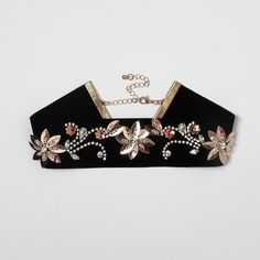 Black velvet flower embellished choker (18,135 KRW) ❤ liked on Polyvore featuring jewelry, necklaces, choker necklaces, flower choker necklace, chain jewelry, beading necklaces and flower choker