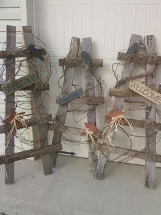 Wood Pallets Ideas Wood Pallets Ideas I could do this. (need to do this to repalce broken one used as trellis) The post Wood Pallets Ideas appeared first on Pallet Ideas. Arte Pallet, Pallet Art, Diy Pallet, Outdoor Pallet, Diy Projects To Try, Wood Projects, Wooden Crafts, Diy Crafts, Barb Wire Crafts