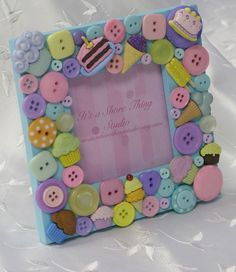 Hey, I found this really awesome Etsy listing at https://www.etsy.com/listing/52142294/cupcakes-embellished-button-picture