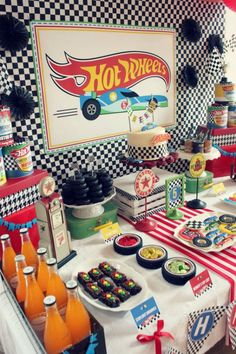 Parties: hot wheels birthday party festa hotweels, birthday parties, ca Hot Wheels Party, Hot Wheels Birthday, Race Car Birthday, Race Car Party, Race Cars, Car Themed Parties, Cars Birthday Parties, Car Themed Birthday Party, Car Party Themes