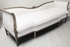 Love the details on this French daybed