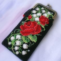 """Case for glasses from beads with a clasp """"Lace"""". Eyeglasses, pencil case - buy in online store on Masters Fair with delivery Beaded Boxes, Beaded Purses, Crochet Purses, Bead Loom Patterns, Beading Patterns, Crochet Shoulder Bags, Beaded Banners, Hippie Bags, Bead Crochet Rope"""