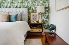 "A ""Happy Californian Golden Girls Greenhouse"" Apartment in San Francisco"