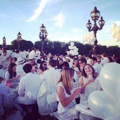 Diner en Blanc Paris-2014-Invalides-Pont Alexander III-Pont L-Alma-8
