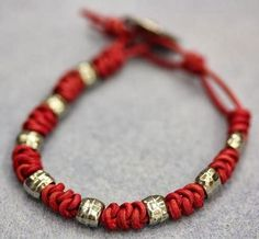 Spanish Knot Bracelet Tutorial by Bead World using leather; wonder what it would look like with waxed irish linen?