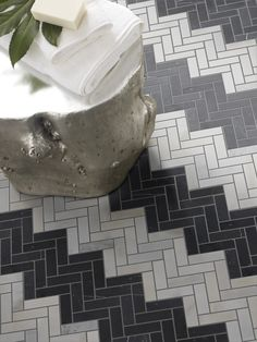 Yin + Yang by Crossville in Black Dragon and Snow Flower herringbone on the floo. - Yin + Yang Natural Stone Collection by Crossville Chevron Gris, Chevron Tile, Herringbone Tile, Metro Tiles Bathroom, Chevron Bathroom, Floor Patterns, Tile Patterns, Floor Design, Tile Design
