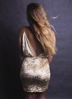 gold Kylie dress velvet mini V-neck back