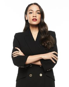Alexandria Ocasio-Cortez on Her Critics, Her First 100 Days in Congress, and Curating Her Closet Pretty People, Beautiful People, Bae, Outfits Mujer, Badass Women, Iconic Women, Female Poses, Photography Women, Alexandria
