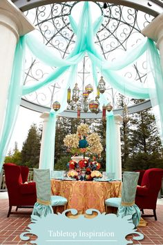 We love the rich colours of this exotic outdoor wedding feast at @Four Seasons Hotel Westlake Village.