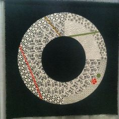 Interesting modern quilt by Harriet Hargrave, with commentary at the website by Leni Wiener re modern art quilting & controversy