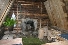 Long term Survival shelter... - Survivalist Forum    Awesome shelter to build.