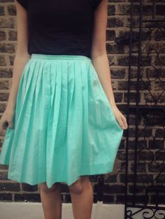 DIY knife pleated skirt - By Hand London - sewing tutorial