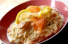 Régime Dukan (recette minceur) : Carbonara de saumon aux shiratakis de konjac #dukan http://www.dukanaute.com/recette-carbonara-de-saumon-aux-shiratakis-de-konjac-9501.html