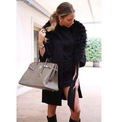 Alice Campello indossa cappotto di pelliccia Ki6? Who are you?