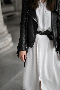 I wore a sleceted femme white shirtdress, combined with a leather jacket from diesel, a vintage leather beld and a crossbody bag from givenchy called obseida