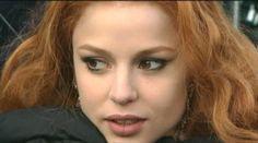 Beautiful Redhead, Beautiful Women, Desenhos Halloween, Vampire Bride, Donna Mills, Hot Vampires, Metal Magazine, I Feel Pretty, Woman Crush