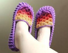 Crocodile Stitch Crochet Loafers (Adult Sizes) Pattern by Lianka Azulay
