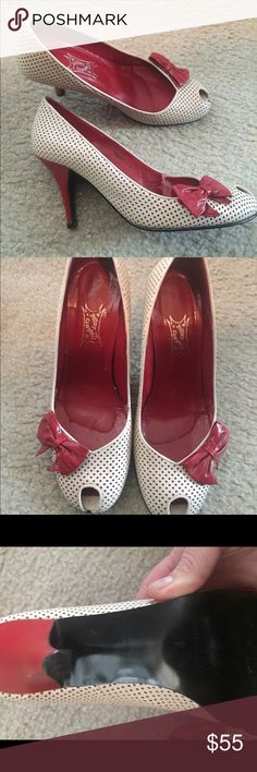 Jeffery Campbell vintage style shoes, rockabilly Excellent condition , no wear, all leather, very comfy, size nine but a little big could fit a 9.5. Jeffrey Campbell Shoes Heels