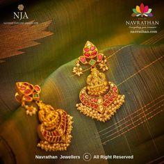 Gold Bar Earrings, Gold Earrings Designs, Gold Jewellery Design, Gold Jewelry, Gold Designs, Antique Gold, Antique Jewelry, Latest Jewellery, Jewelry Patterns