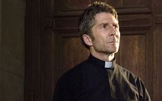 Father Romero Played by Leland Orser - Ray Donovan | SHOWTIME
