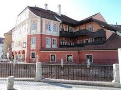 Imagini pentru casa luxemburg sibiu Style At Home, Mansions, House Styles, Home Decor, Luxembourg, Mansion Houses, Homemade Home Decor, Decoration Home, Room Decor