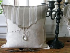 Cute Pillows, Linen Pillows, Cushions, Throw Pillows, Patchwork Cushion, Textiles, Creation Couture, Sewing Projects, Shabby Chic