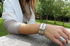 Tribal mix bracelet, silver with etching Unique Bracelets, Hand Engraving, Jewelery, Silver Rings, Collections, Fashion, Jewelry, Moda, Jewels