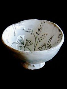 Astier de Villatte :: Petit Bol Robinson Ceramic Pots, Glass Ceramic, Porcelain Ceramics, Ceramic Pottery, Pottery Classes, Pottery Designs, Plates And Bowls, Decorative Bowls, Glass Art