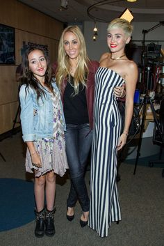 Miley Cyrus was joined my her mom, Tish Cyrus, and her little sister, Noah Cyrus, during her radio interview with Ryan Seacrest today. Hannah Montana, Miley Cyrus 2013, Miley Cyrus Style, Disney Channel, Lgbt, Noah Cyrus, Billy Ray Cyrus, Ryan Seacrest, Liam Hemsworth