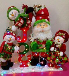 Christmas Pictures, Christmas Diy, Christmas Wreaths, Christmas Ornaments, Fajardo, Baby Patterns, Crochet Baby, Santa, Holiday Decor