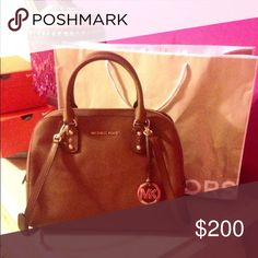 Cognac Michael Kors purse Gently worn leather MK purse!! Favorite purse ever but have to sell because I have too many of the same color! Ⓜ️cheaper on MercariⓂ️ Michael Kors Bags Crossbody Bags