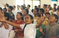 Children worshiping with abandon <3
