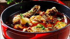 Kylling i øl - Godt.no - Finn noe godt å spise Paella, Crockpot, Bacon, Dining, Ethnic Recipes, Food, Wine, Inspiration, Recipe