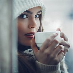 Added to Beauty Eternal - A collection of the most beautiful women. Coffee Girl, Coffee Love, Coffee Break, Morning Coffee, Coffee Cups, Happy Coffee, Beautiful Mind, Beautiful Women, Café Sexy