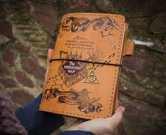 Harry Potter Fandom Archives - Page 2 of 2 - Sanati Factory Harry Potter Journal, Harry Potter Marauders, Marauders Map, Harry Potter Gifts, Harry Potter Fan Art, Harry Potter Fandom, Notebook Drawing, Potter Facts, Painting Leather