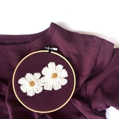 Diy Embroidery Shirt, Hand Embroidery Patterns Flowers, Embroidery On Clothes, Creative Embroidery, Embroidered Clothes, Hand Embroidery Stitches, Embroidery Fashion, Simple Embroidery Designs, Embroidered Shirts