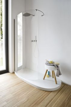 Douche Corian shower tray Fonte by Rexa Design Gray And White Bathroom, Grey Bathrooms, Beautiful Bathrooms, Small Bathroom, Bathroom Ideas, Minimal Bathroom, Bad Inspiration, Bathroom Inspiration, Interior Design Inspiration