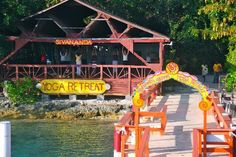 Sivananda Ashram Yoga Retreat: Bay platform