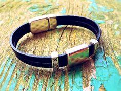 The Best Women Beautiful Bracelets 2015 http://www.accessorypedia.com/2015/10/the-best-women-beautiful-bracelets-2015.html