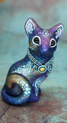 Alien Creatures, Fantasy Creatures, Animal Sculptures, Sculpture Art, Christmas Dragon, I Love Diy, Large Scale Art, Cute Alien, Clay Studio