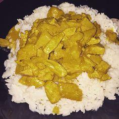 Hähnchenbrustfilets mit Ananas - Curry - Sauce, ein tolles Rezept aus der Kategorie Geflügel. Bewertungen: 12. Durchschnitt: Ø 4,4.