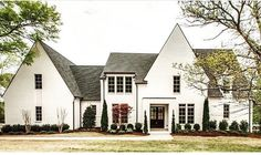 Country home exterior french country love the simple bushes country house exterior design ideas Modern French Country, French Country House, French Country Decorating, Modern Farmhouse, Farmhouse Style, Country Houses, Farmhouse Layout, White Farmhouse, French Style