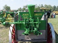 JOHN DEERE End-Gate Seeder