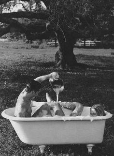blonde-lesbians-in-bath